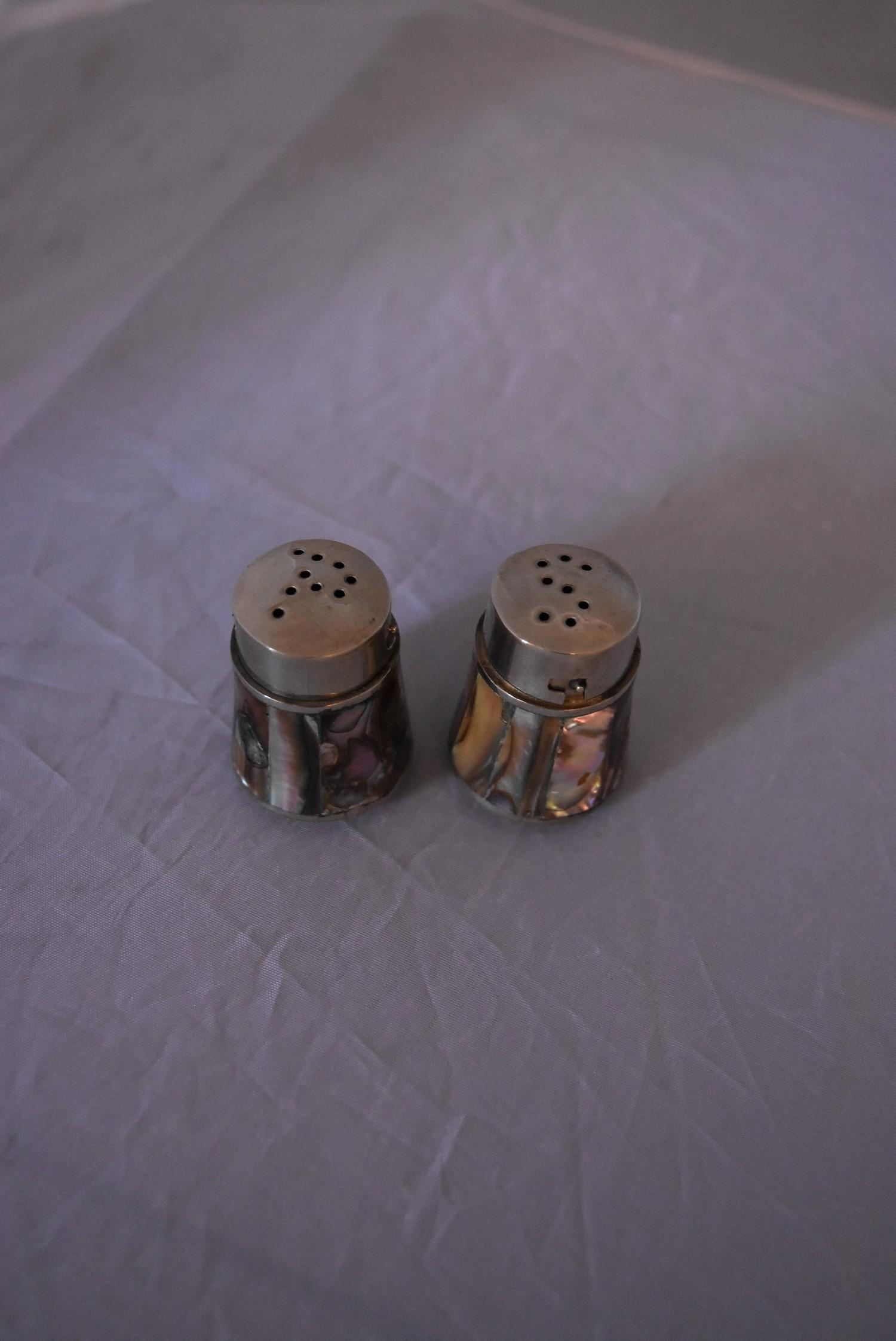 A collection of silver and white metal iterms items, to include matching Mexican white metal salt - Image 5 of 12