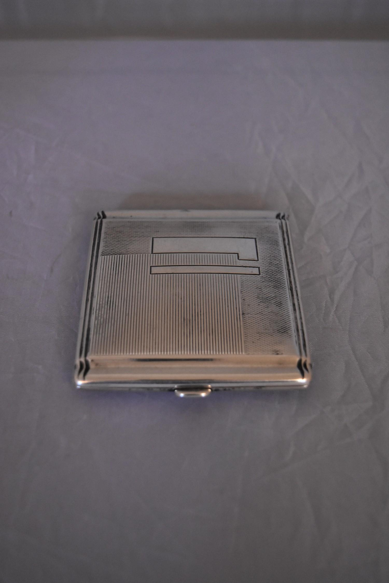 An Art Deco Continental silver cigarette case, marked 800. (62g) - Image 3 of 5