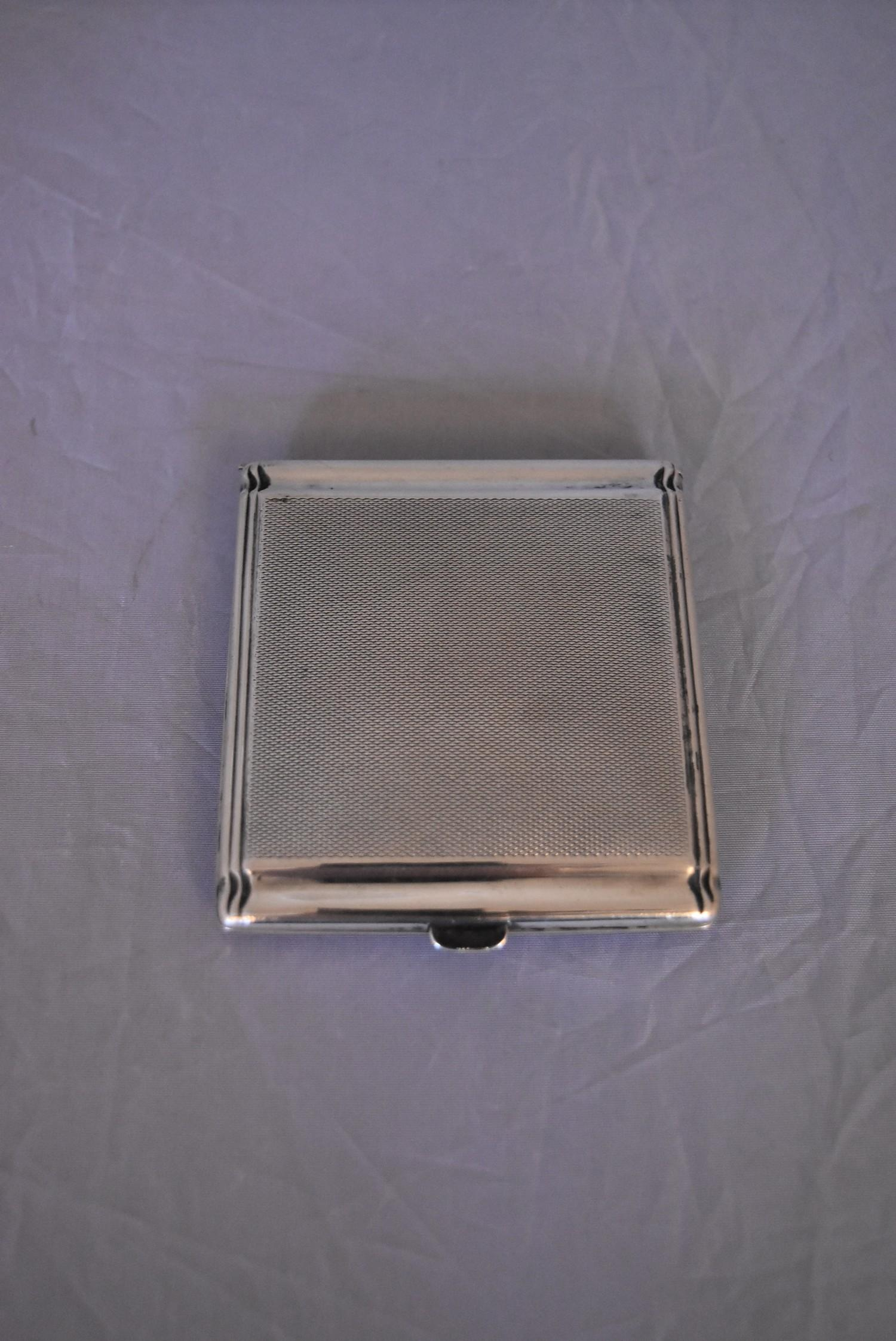 An Art Deco Continental silver cigarette case, marked 800. (62g) - Image 2 of 5