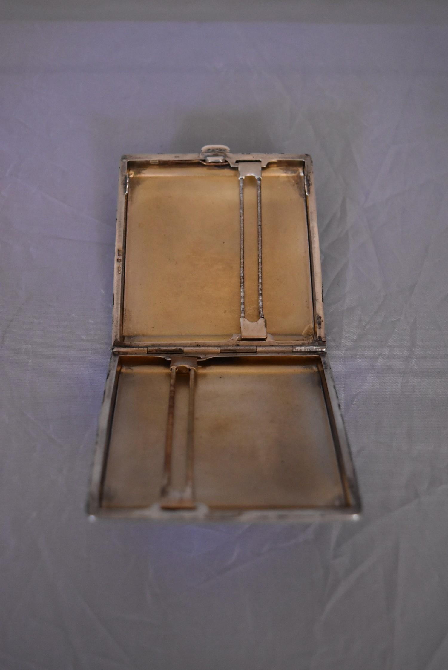An Art Deco Continental silver cigarette case, marked 800. (62g) - Image 4 of 5