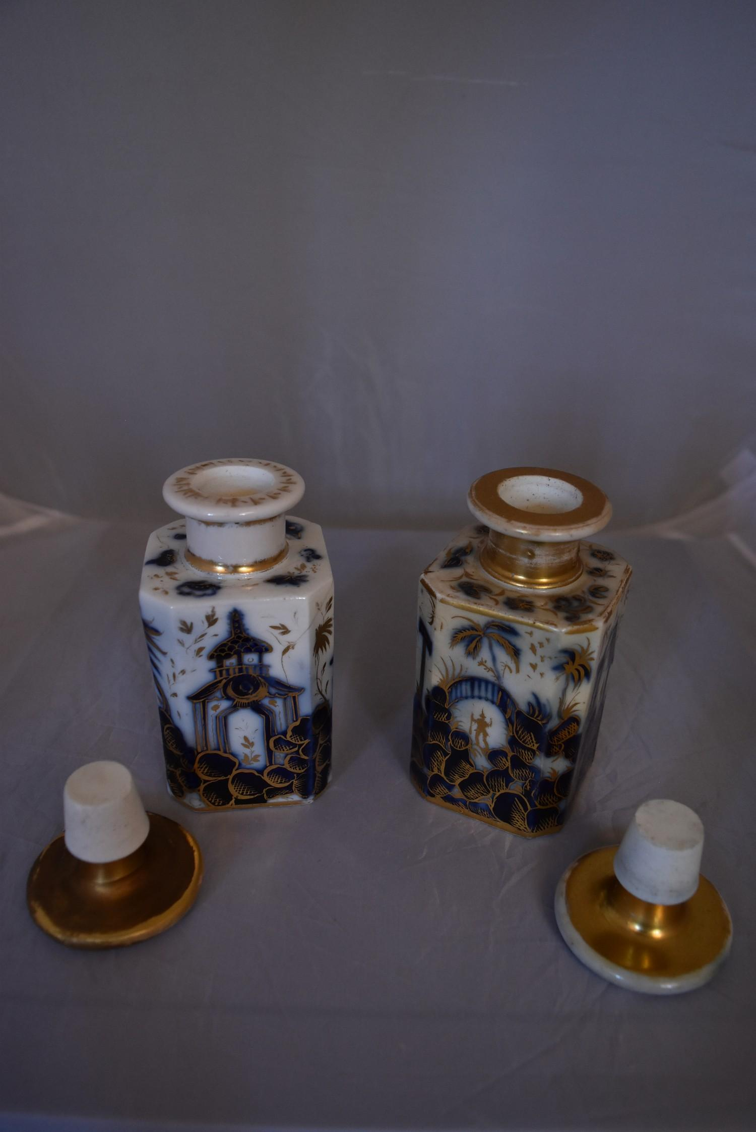 A pair of blue and white French porcelain scent bottles with oriental design and gilded accents. - Image 5 of 6