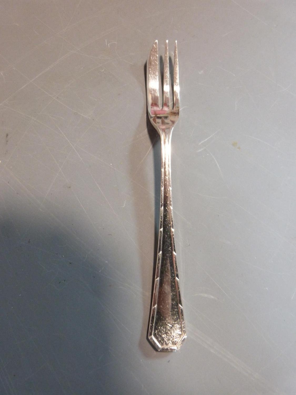 Five rolls of silver plated cutlery. Belvedere design by CJ Vander Ltd. Includes 18 cake forks, 18 - Image 2 of 6
