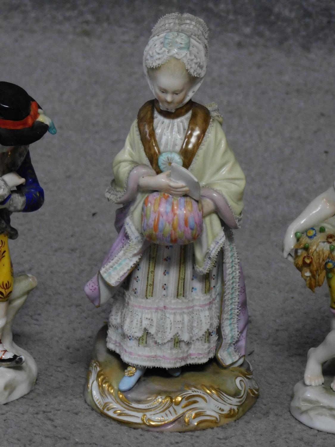 Four antique hand painted Chelsea Sampson style figures, with gold anchor mark to back. - Image 4 of 10