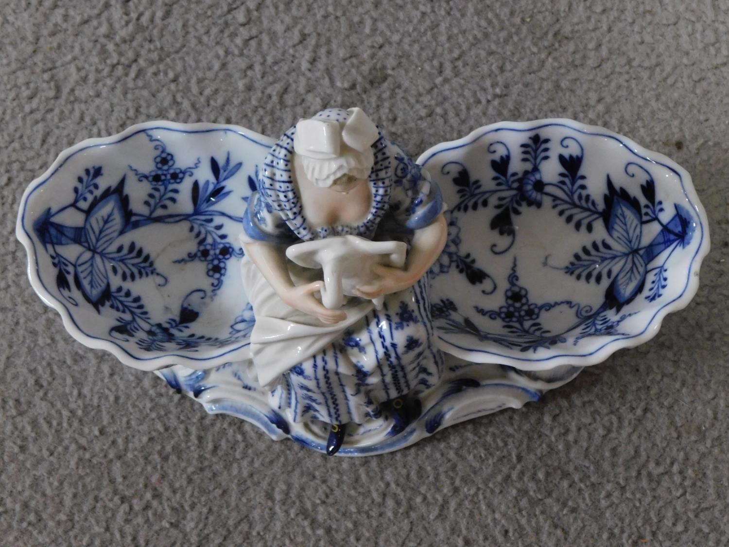 A pair of meissen blue onion pattern porcelain sweet meat dishes. One of a lady and one of a cross - Image 5 of 7
