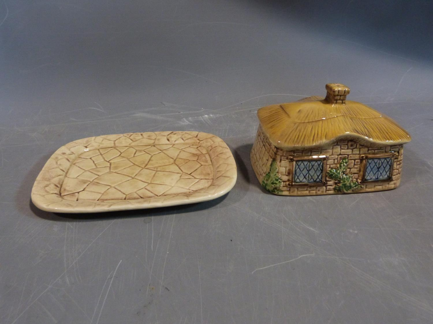 Collection of ceramics. Including a sylvac pottery butter dish in the form of a thatched cottage, - Image 4 of 14