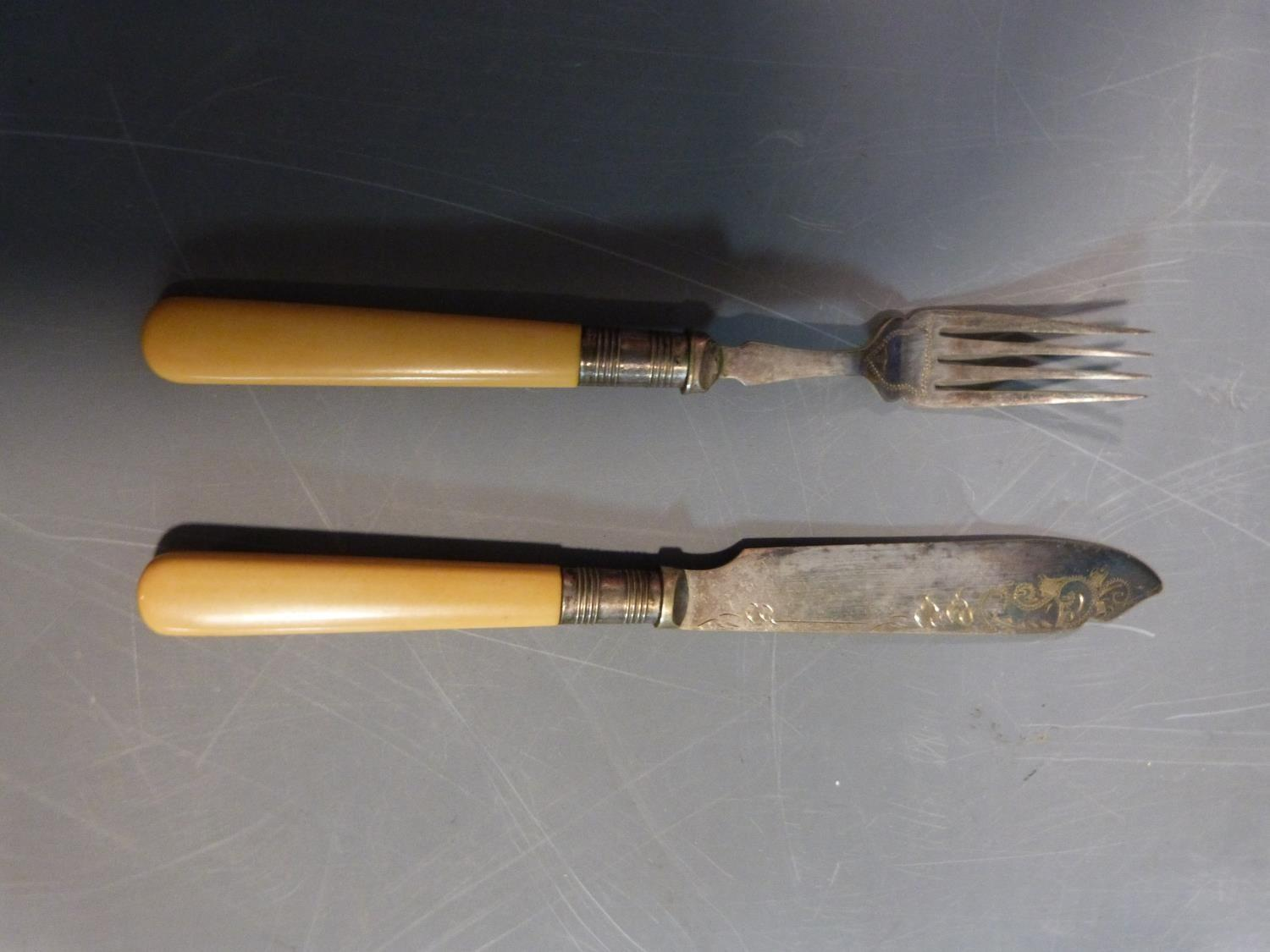 Cased silver brush set and silver plate items. Hallmarked: 1925, Birmingham, S star B for Synyer & - Image 19 of 27