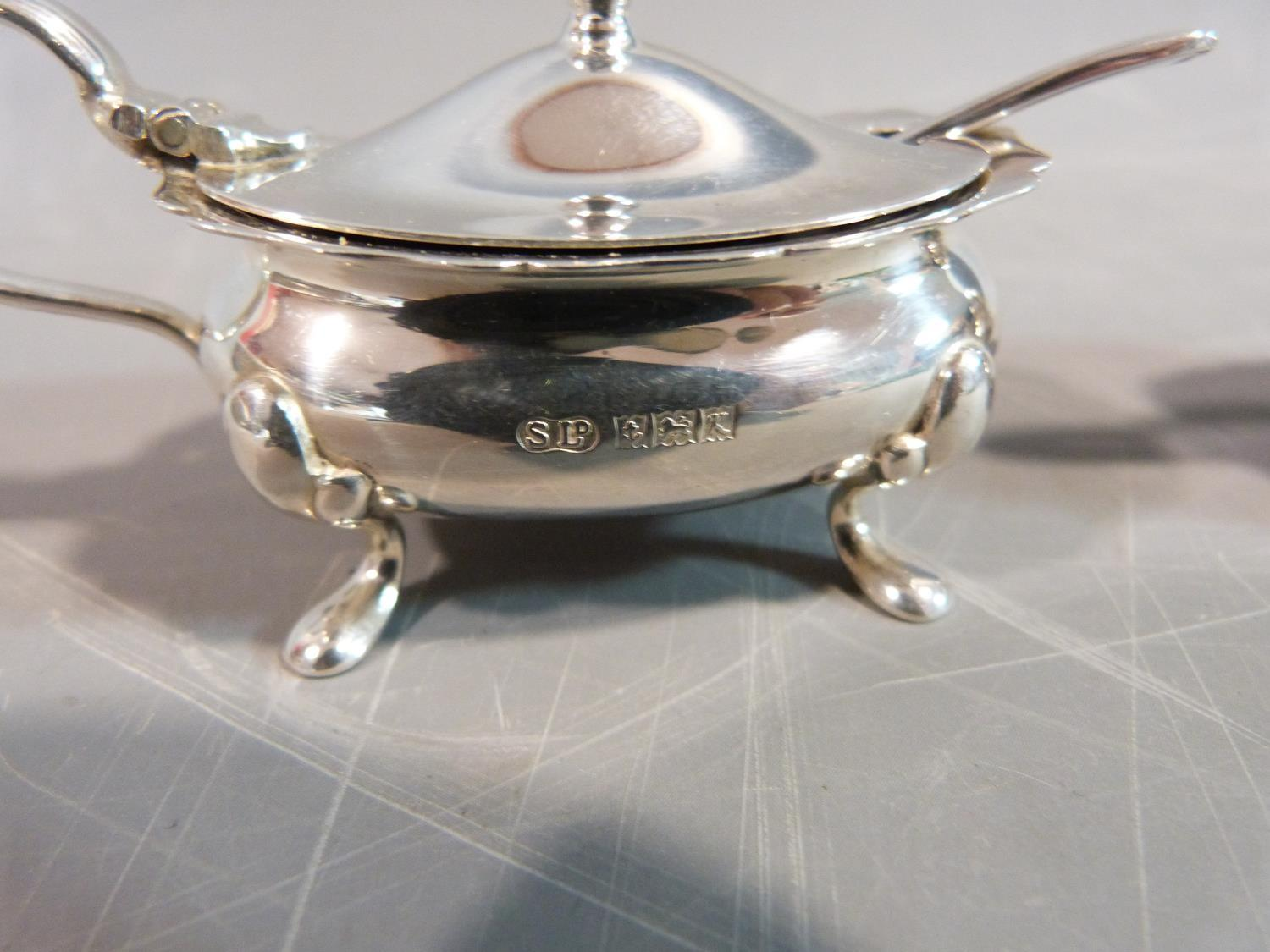 Silver cruets and salts and a pepper shaker. Hallmarked: SLd for William Suckling Ltd,1955, - Image 4 of 10
