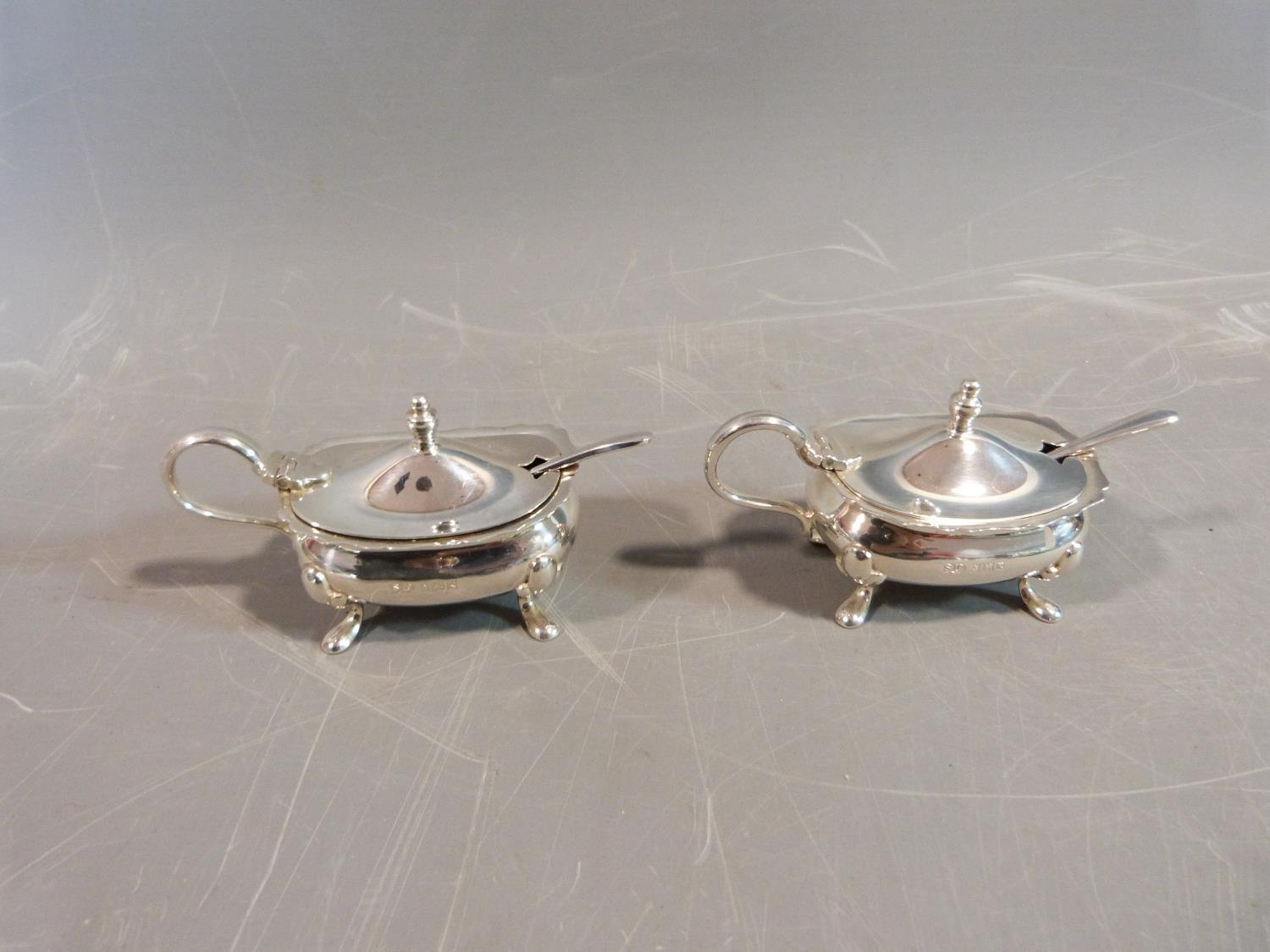 Silver cruets and salts and a pepper shaker. Hallmarked: SLd for William Suckling Ltd,1955, - Image 3 of 10