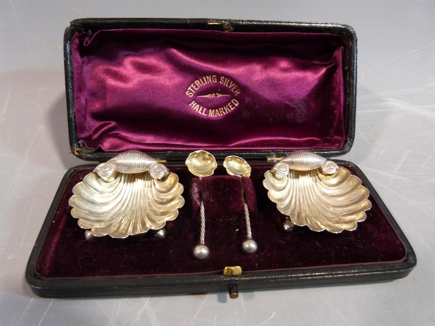 A collection of silver items. Including a pair of George III, 1796, Sugar nips by Thomas Watson in a - Image 11 of 19