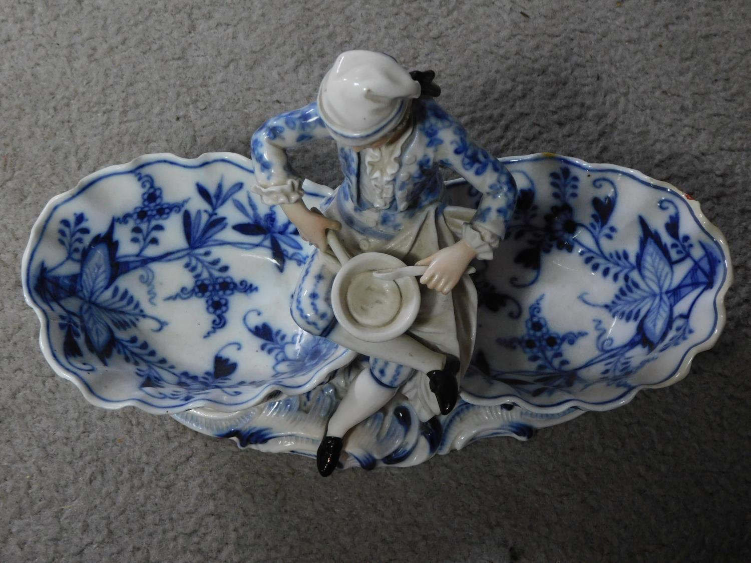A pair of meissen blue onion pattern porcelain sweet meat dishes. One of a lady and one of a cross - Image 3 of 7