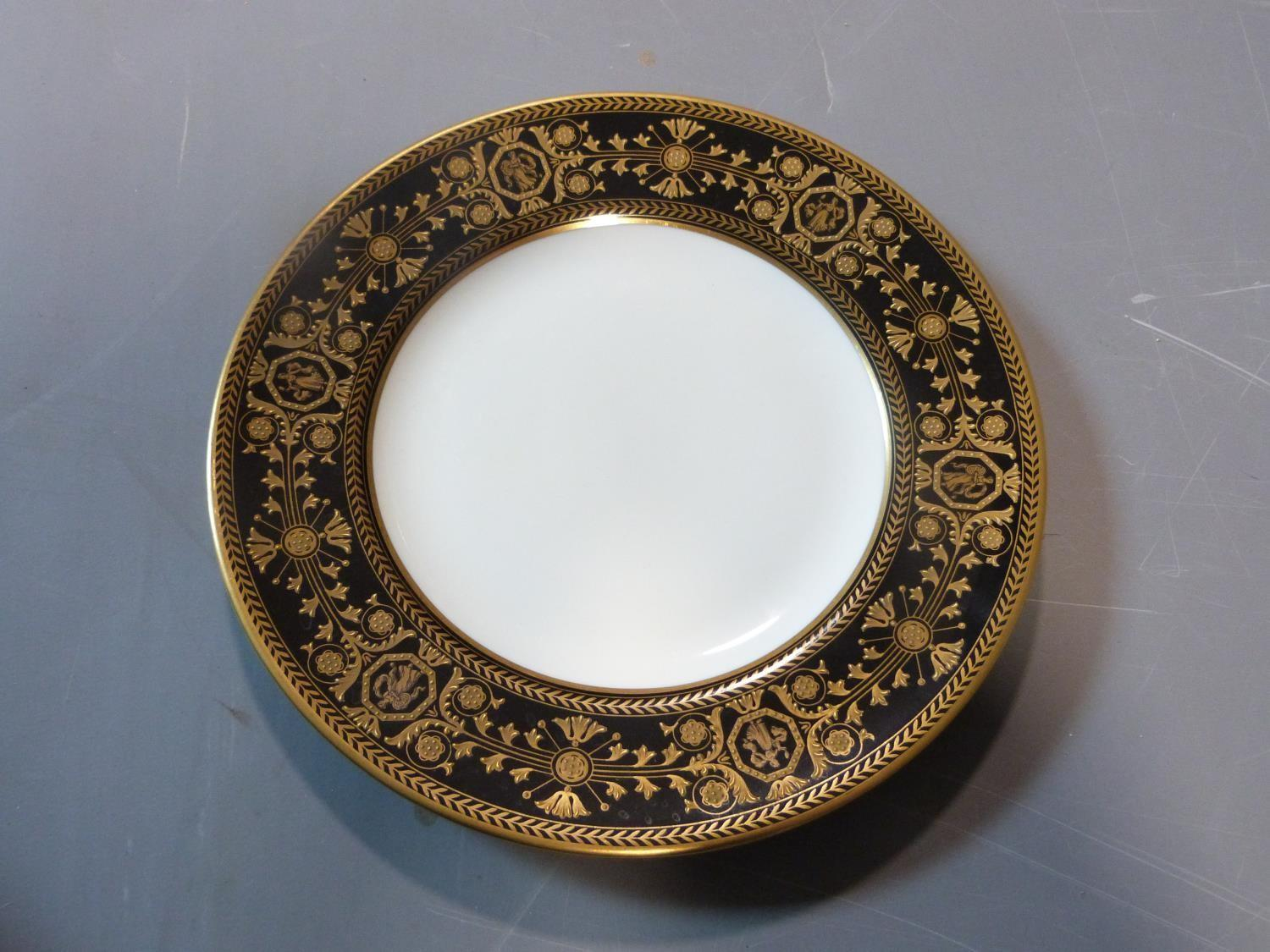 An early 20th century Wedgwood Black Astbury pattern part dinner service. This pattern is - Image 7 of 19