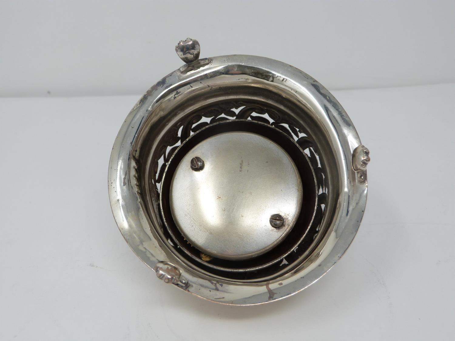 A Victorian silver pierced desk bell with stylised floral design and stylised four petal flower to - Image 4 of 6