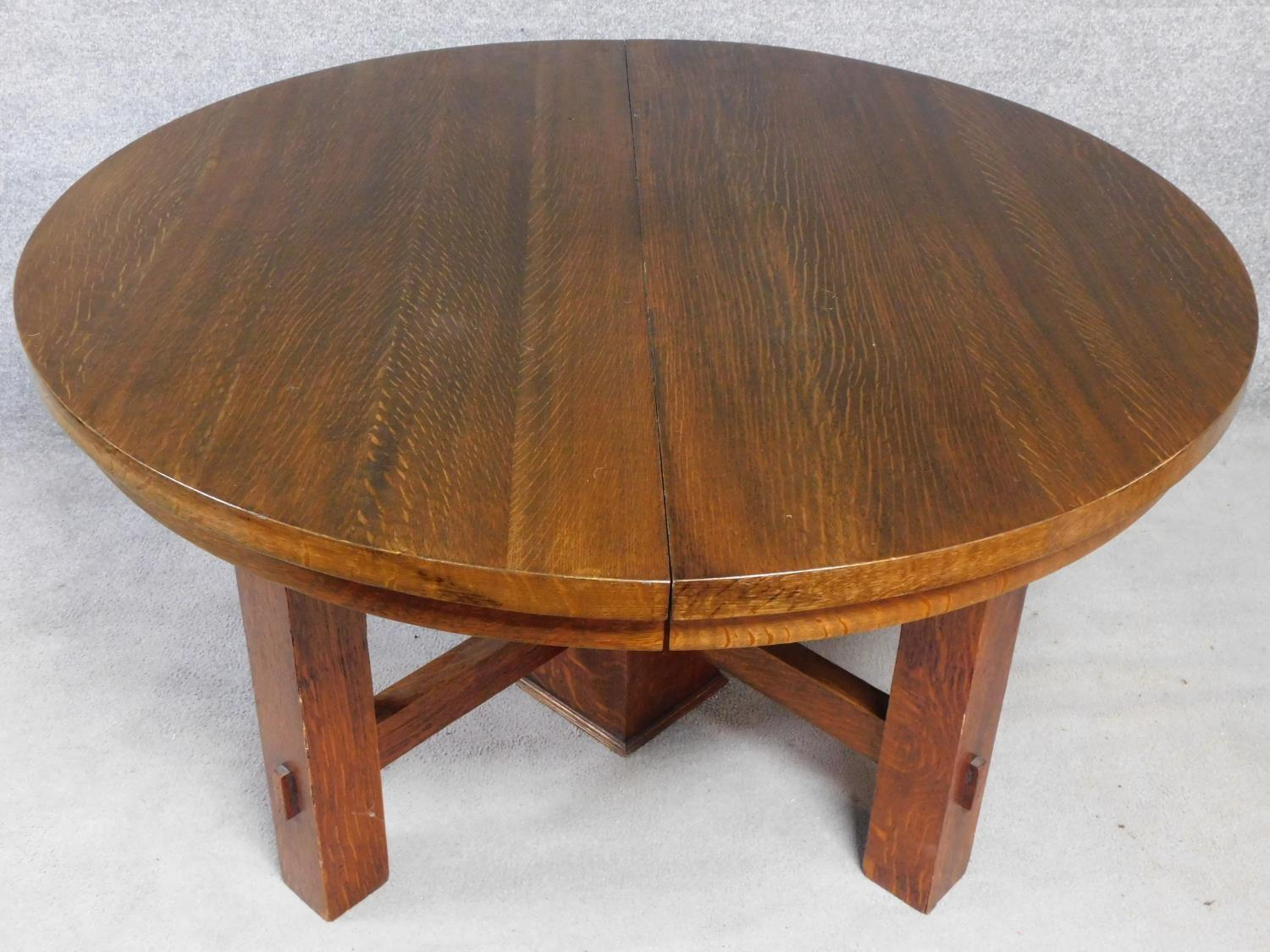 An American Arts and Crafts Mission style oak extending table with four extra leaves. H.72 W.249 D. - Image 3 of 7