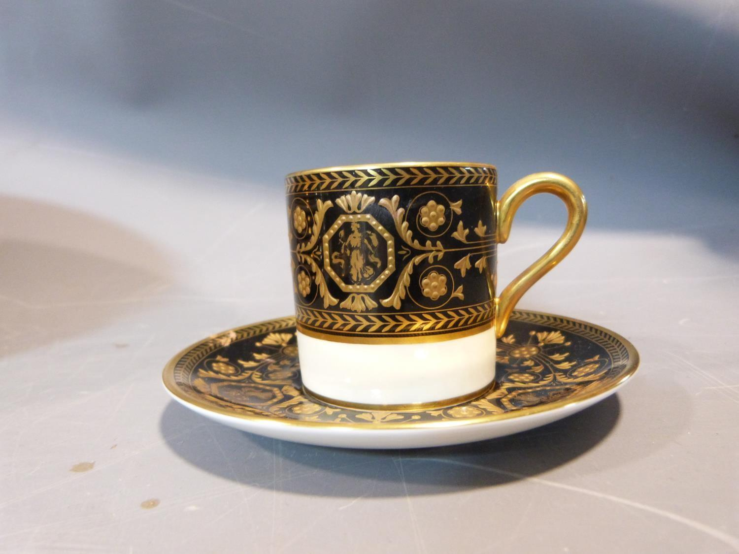 An early 20th century Wedgwood Black Astbury pattern part dinner service. This pattern is - Image 2 of 19