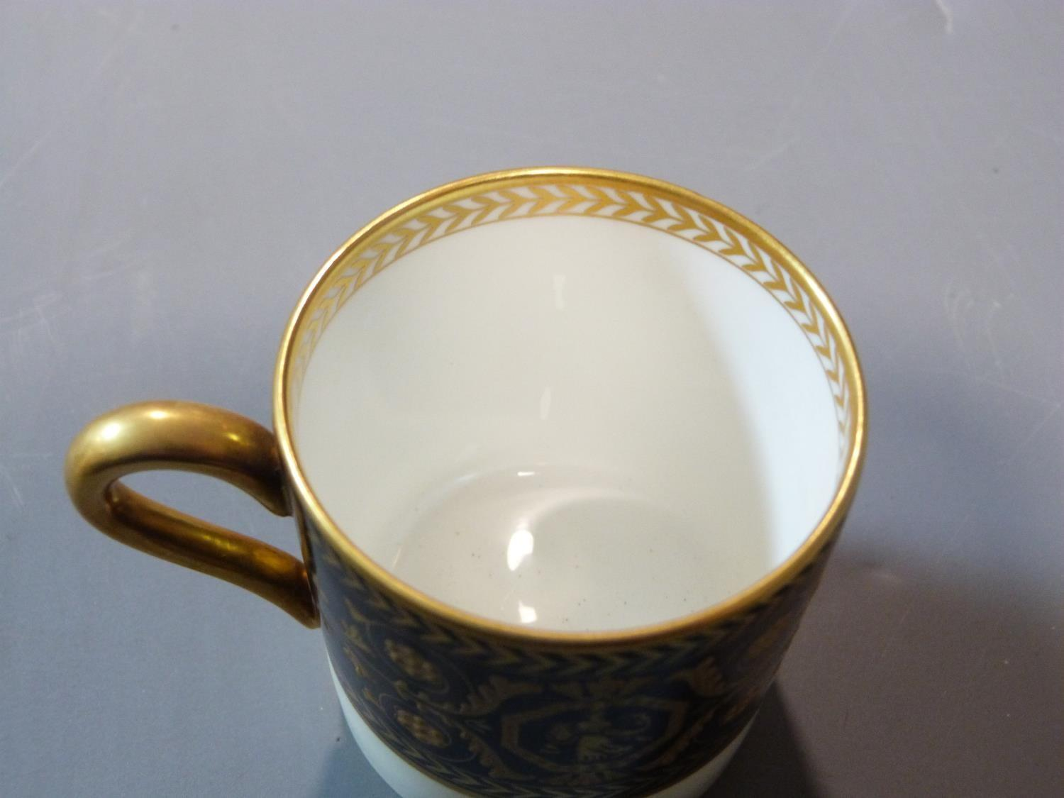 An early 20th century Wedgwood Black Astbury pattern part dinner service. This pattern is - Image 6 of 19