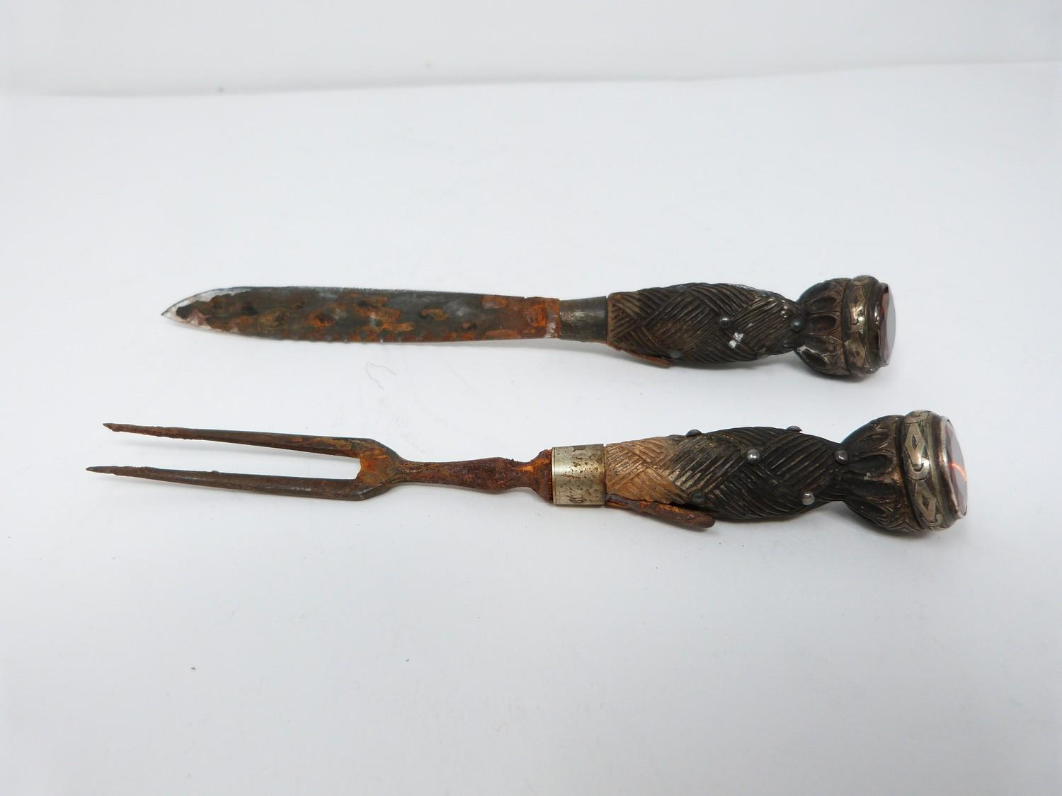 An antique white metal and bog oak Scottish military standard dirk by Joseph Rodgers & Sons who were - Image 5 of 22