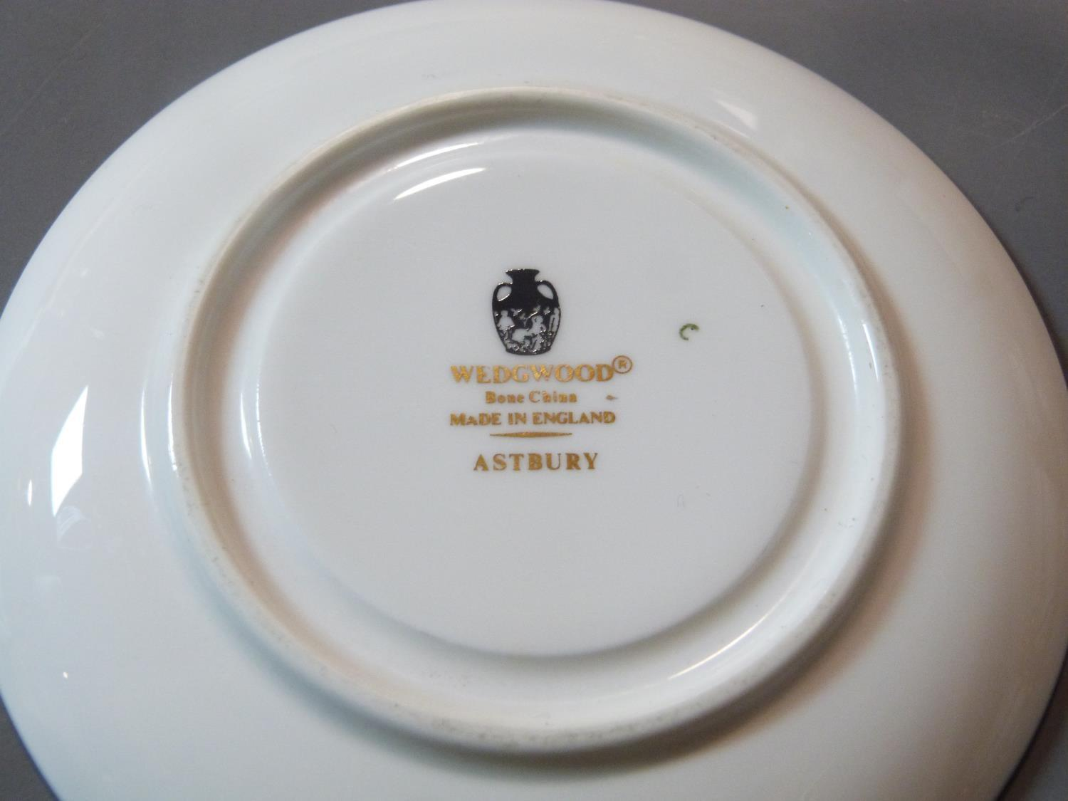 An early 20th century Wedgwood Black Astbury pattern part dinner service. This pattern is - Image 4 of 19