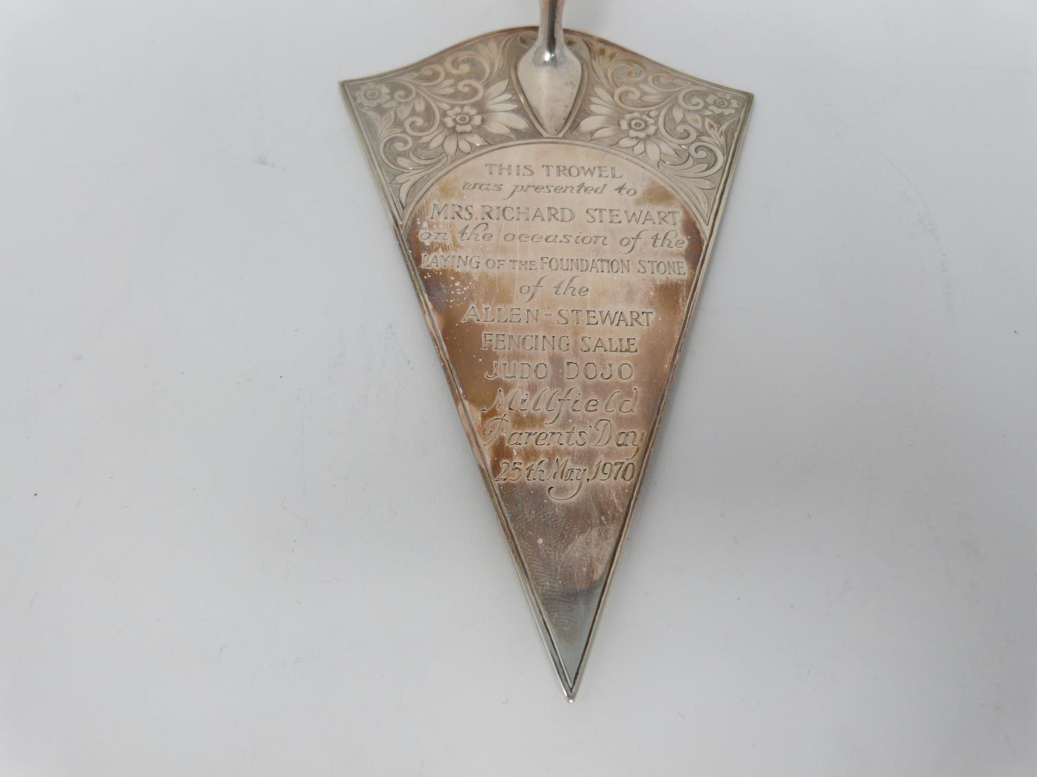 A vintage silver and ivory ceremonial leather effect cased trowel and wine coaster. Trowel has - Image 4 of 11