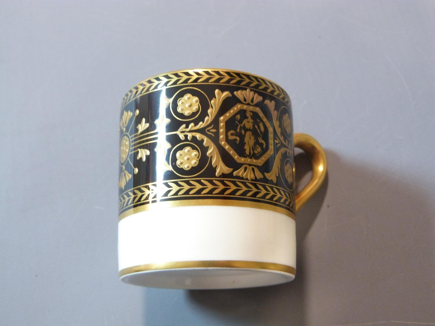 An early 20th century Wedgwood Black Astbury pattern part dinner service. This pattern is - Image 5 of 19