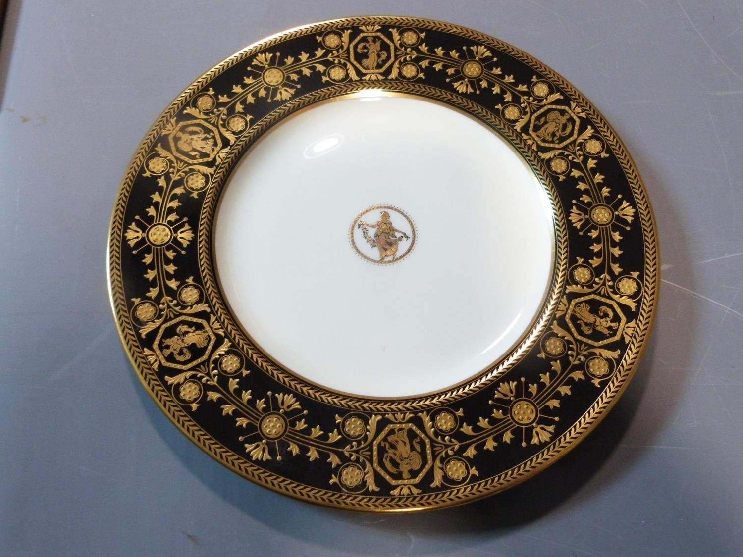 An early 20th century Wedgwood Black Astbury pattern part dinner service. This pattern is - Image 14 of 19
