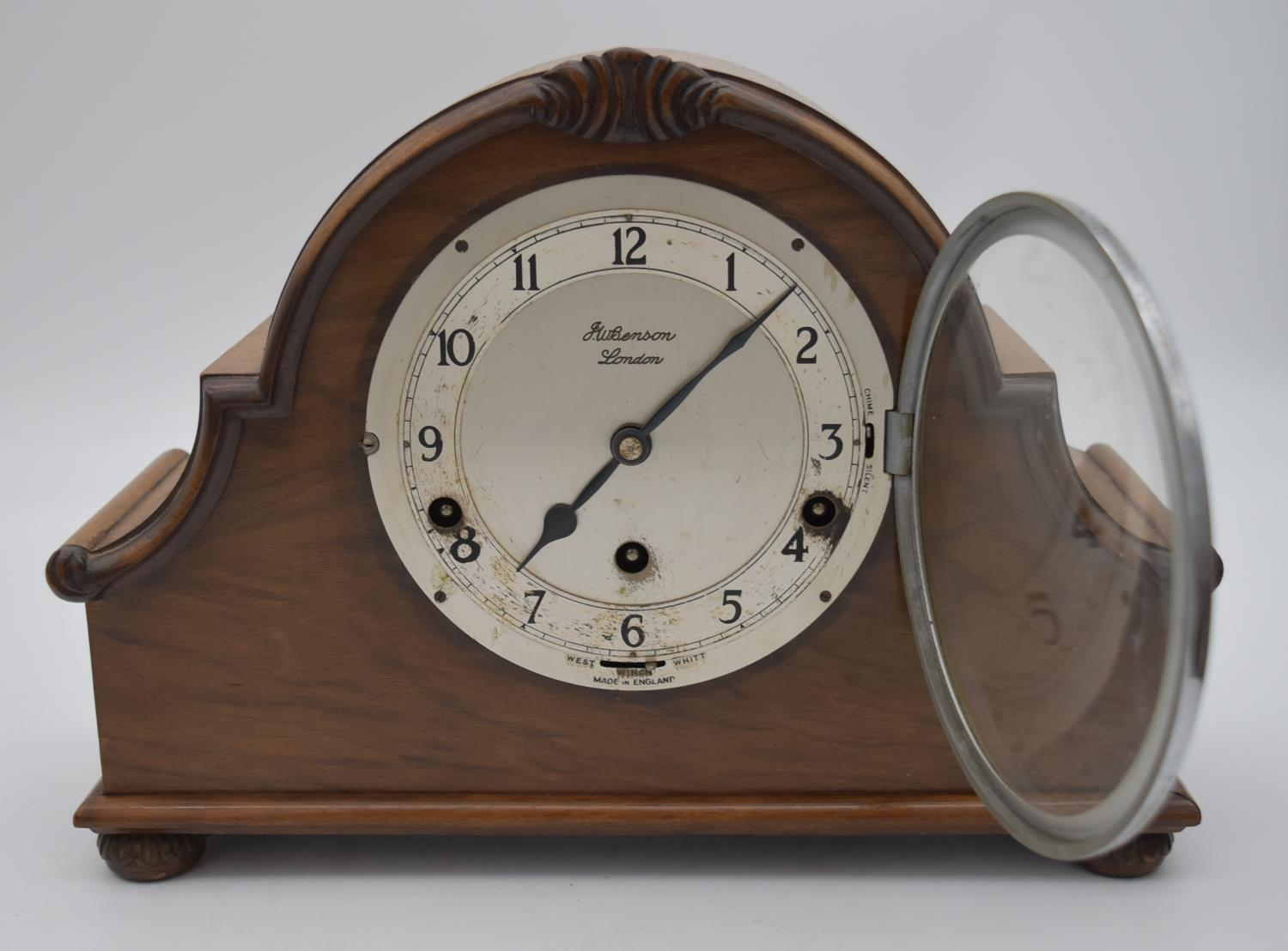 A miscellaneous collection of six mid 20th century mantel clocks. One by JW Benson of London. H. - Image 4 of 6
