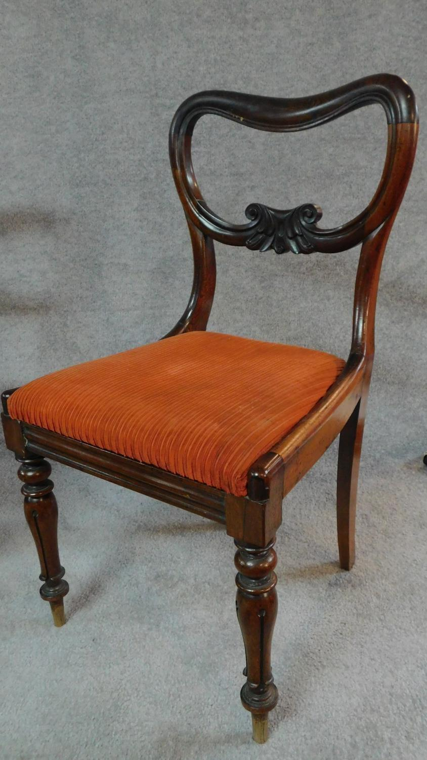 A set of six Victorian rosewood kidney shaped back dining chairs with drop in seats on carved - Image 2 of 5