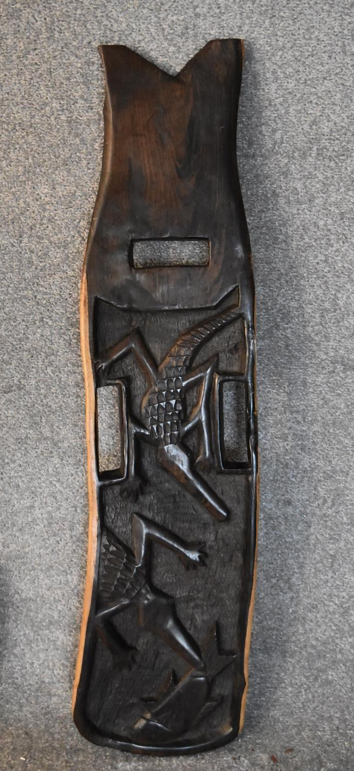 An African carved hardwood two part palaver chair with relief alligator detailing. H.80x20cm - Image 4 of 6