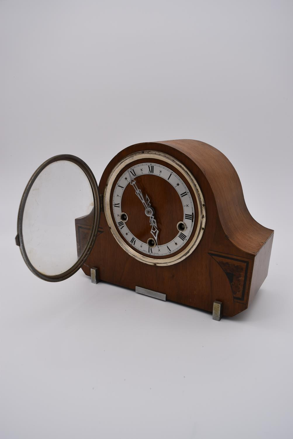 A collection of five mid 20th century mantel clocks with English brass movements. Some have roman - Image 5 of 8