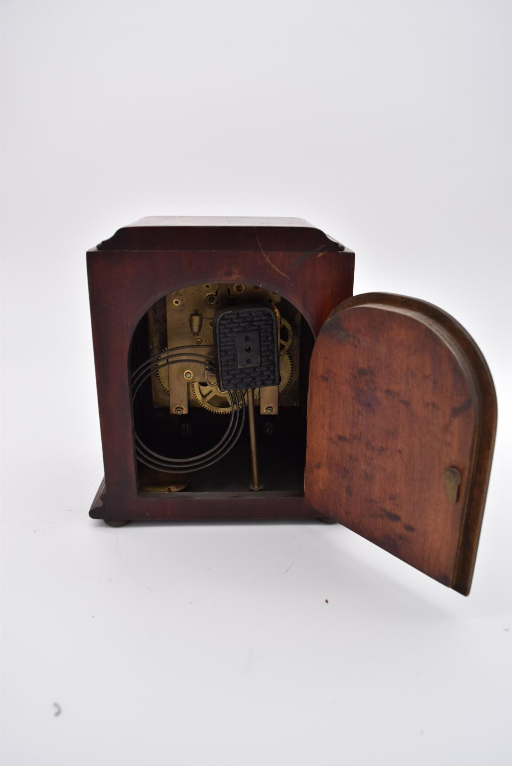 A collection of six various early to mid 20th century mantel clocks. H.23x18cm - Image 5 of 6