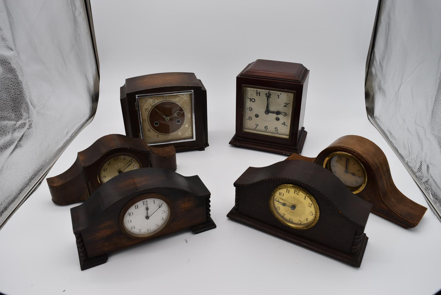 A collection of six various early to mid 20th century mantel clocks. H.23x18cm