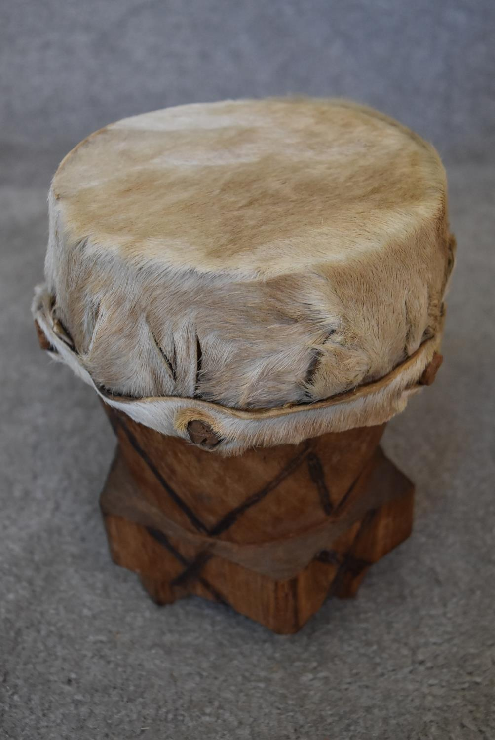A small carved green hardstone African bust and a collection of various African tribal wooden - Image 7 of 7