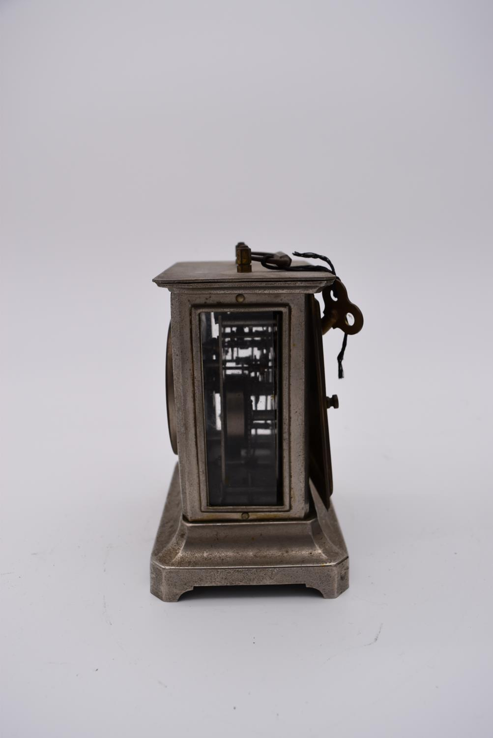 A brass cased carriage clock with engraved brass front with scrolling design and white enamel dial - Image 3 of 8