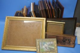A QUANTITY OF ASSORTED PICTURES AND PICTURE FRAMES