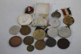 A COLLECTION OF ASSORTED MEDALS, to include Royalty medals (some Leicester related) KLM Airlines