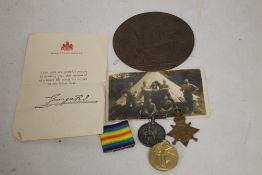 WWI CASUALTY MEDAL GROUP CONSISTING OF A 1914/1915 STAR TRIO NAMED 3742 PTE T HOWELL, S STAFF R,