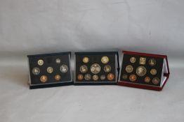 ROYAL MINT UK PROOF SETS, Red De-Luxe 1999 (includes Princess Diana Five pounds) and Blue sets