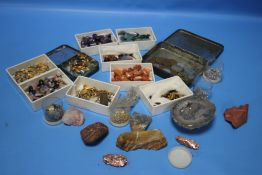 A BOX OF POLISHED STONES, A TIN OF SUNDRY COINS, MINOR COSTUME JEWELLERY ETC.