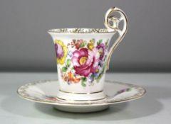 Mokka-Tasse mit U.T., S mit Krone, älter, florales Dekor, Tasse H-8cm.<