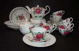 Teeservice mit handgemalter Freisenrose, 23 Teile, (kl. Teekanne, H-11 cm!)
