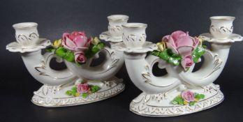 "Paar Kerzenhalter ""Dresden"" mit Rosenblüten, H-13 cm, B-20 c<"
