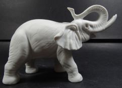 Rosenthal Elefant, weisses Bisquitporzellan, H-12 cm, L-17 cm