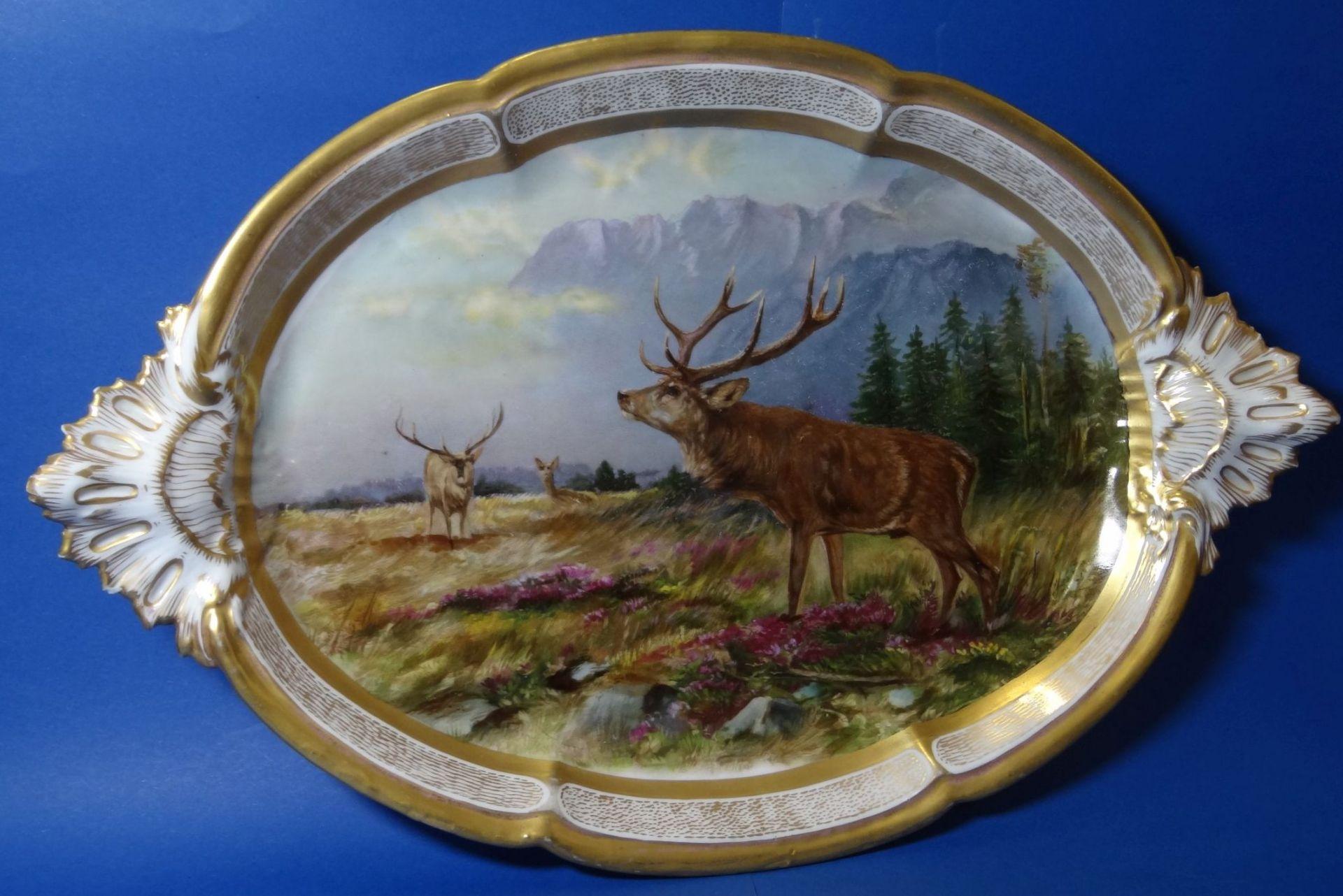 gr. ovale Platte, mit Hirsch-Gruppe,Goldstaffage, L-41 cm, B-27 cm