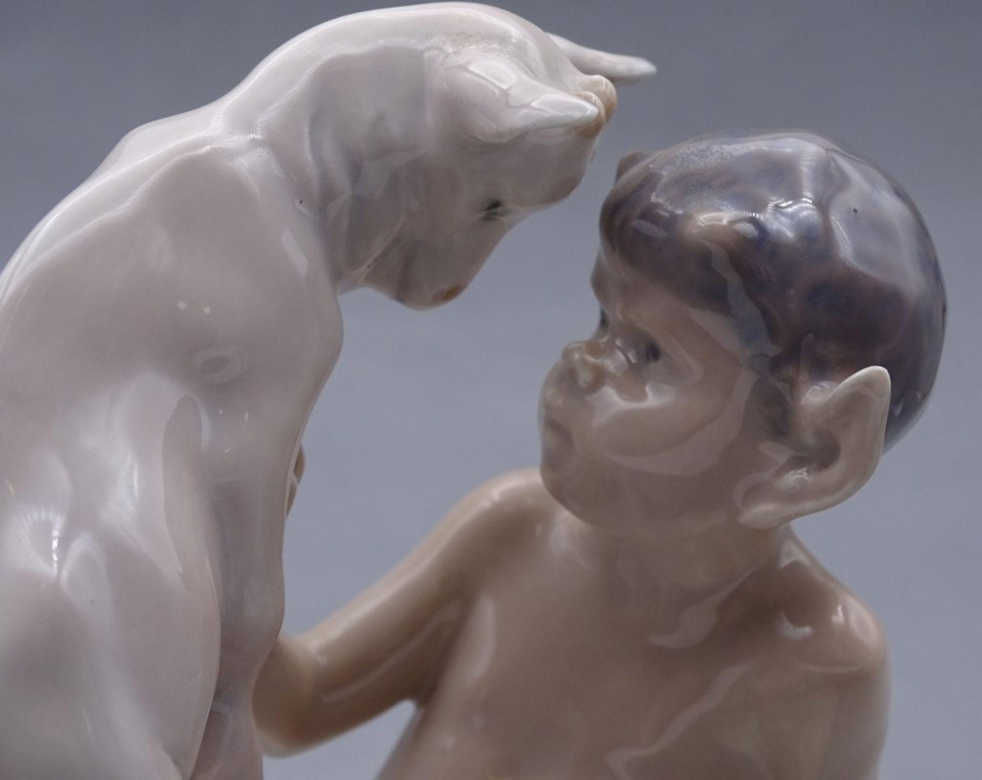 "Los 1040 - Porzellan-Figur Faun mit Zicklein ""Royal Copenhagen"" Dänemark, Entw.: Christian Thomsen 1906, Mod."