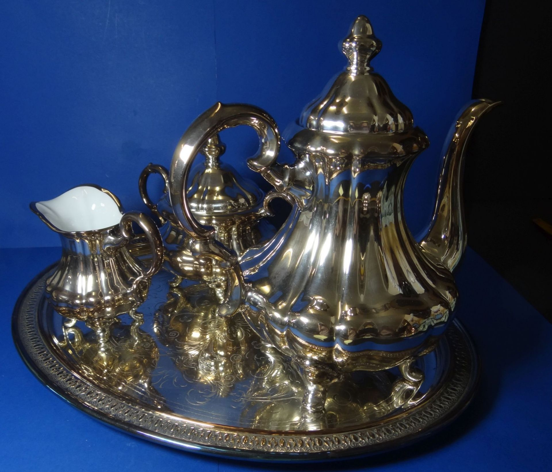 "Los 1033 - 3 tg. Porzellan-Kaffeekern ""Tettau"" Feinsilber-Auflage 1000/0000, Kanne H-27 cm, anbei"