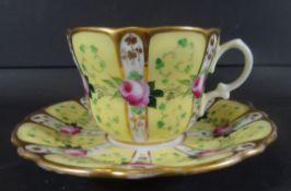 Biedermeier-Tasse mit U.T., Rosenbeamlung, H-6,5 cm, D-8 cm, D-14 cm
