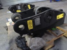 GEITH HYDRAULIC Q-HITCH TO FIT 45MM PINS TO FIT DOOSAN DX55 (YEAR 2014)