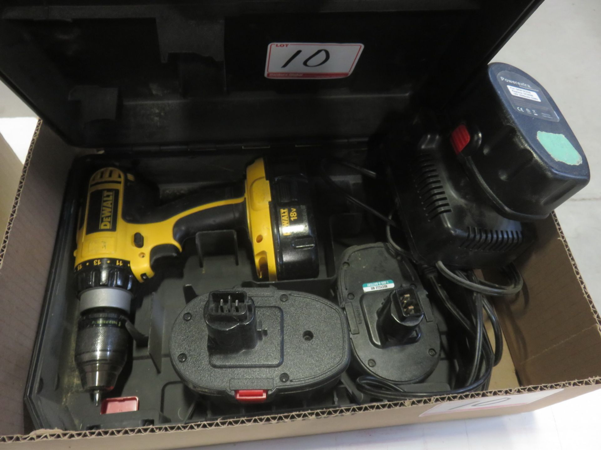 Lot 10 - LOT - DEWALT 18V BATTERY DRILL W/ CHARGER & (3) BATTERIES