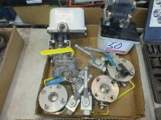 LOT - PINACLE + NEO VALVES STEEL LEVER VALVES W/ (2) MCRAE UA-LCR-150-115 ELECTRIC VALVES