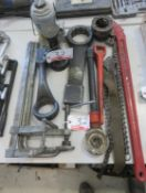 LOT - SLUG WRENCHES, CHAIN PIPE WRENCHES + JACKS