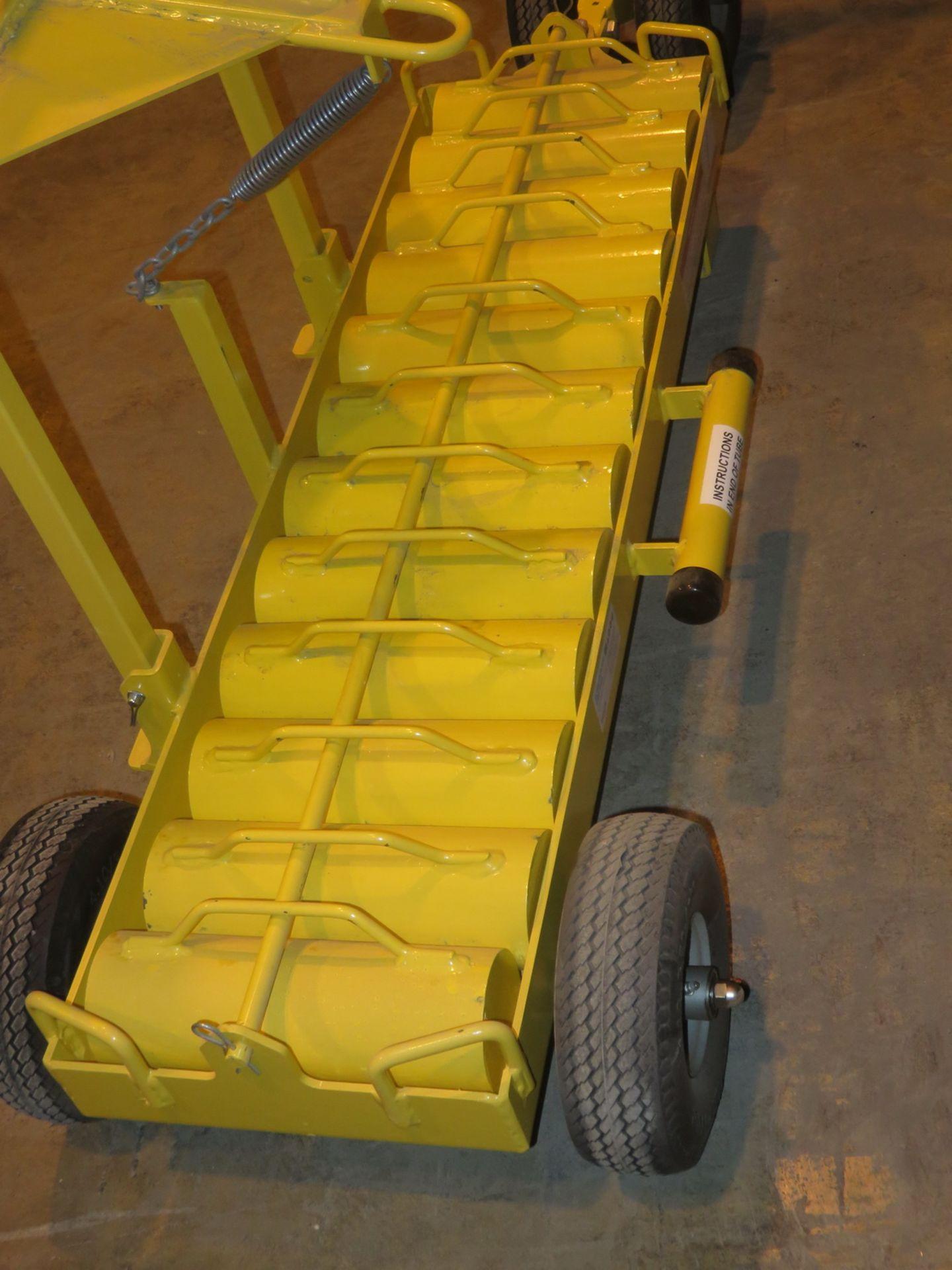 Lot 1 - NEW - SKYLINE MODEL 3005 ULTRA SAFE 600 PORTABLE ANCHOR POINT CART